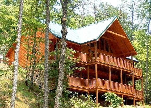 5 bedroom cabin in the smoky mountains