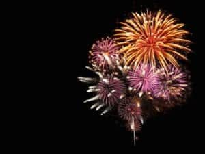 Brilliant_fireworks_in_the_sky