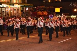 Marching_band_in_the_Gatlinburg_Christmas_parade