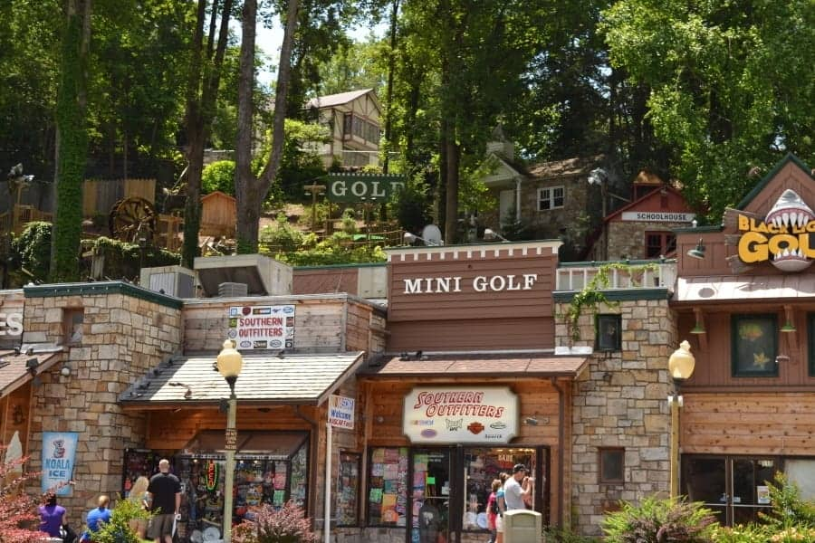 Mini golf at Gatlin's Smoky Mountain Fun.