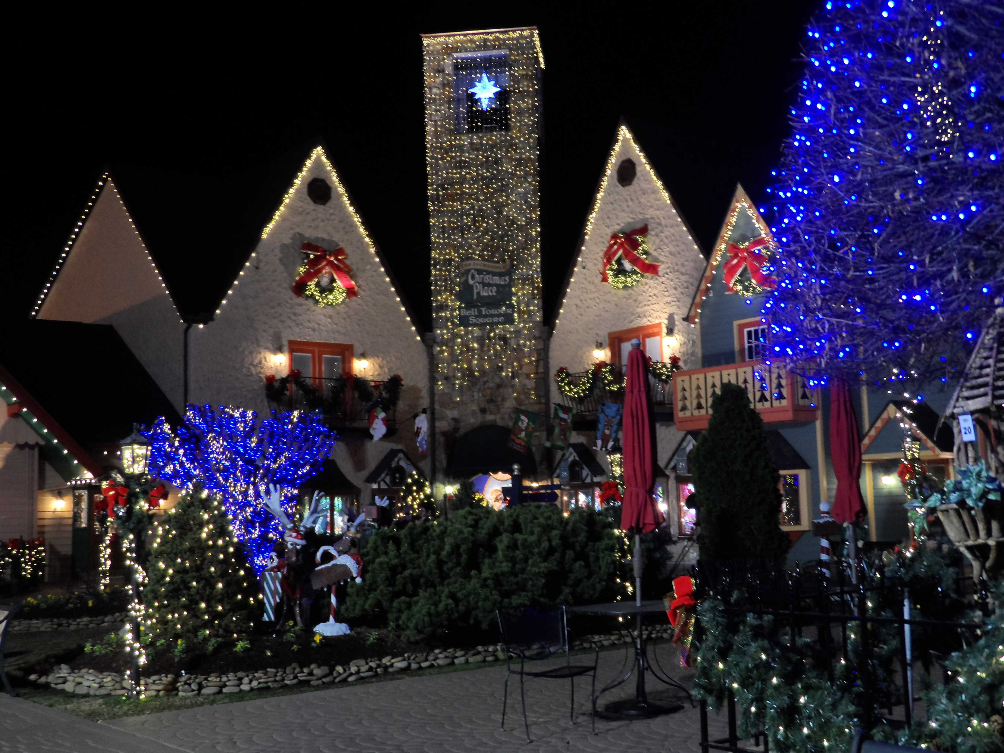 the christmas place in pigeon forge